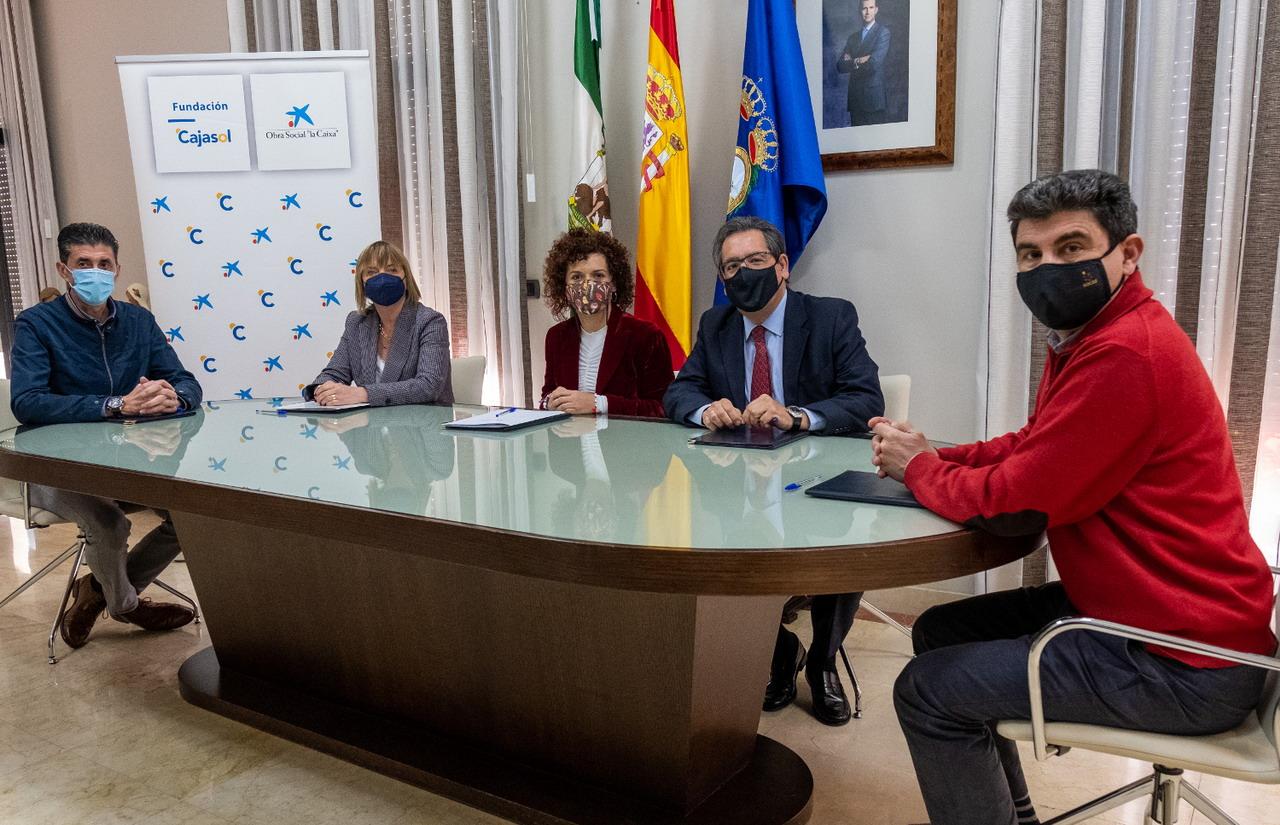 """Diputación, Fundación Cajasol y Fundación """"La Caixa"""" promueven la mejora del sector agroalimentario y el fomento de la vida en los pueblos"""