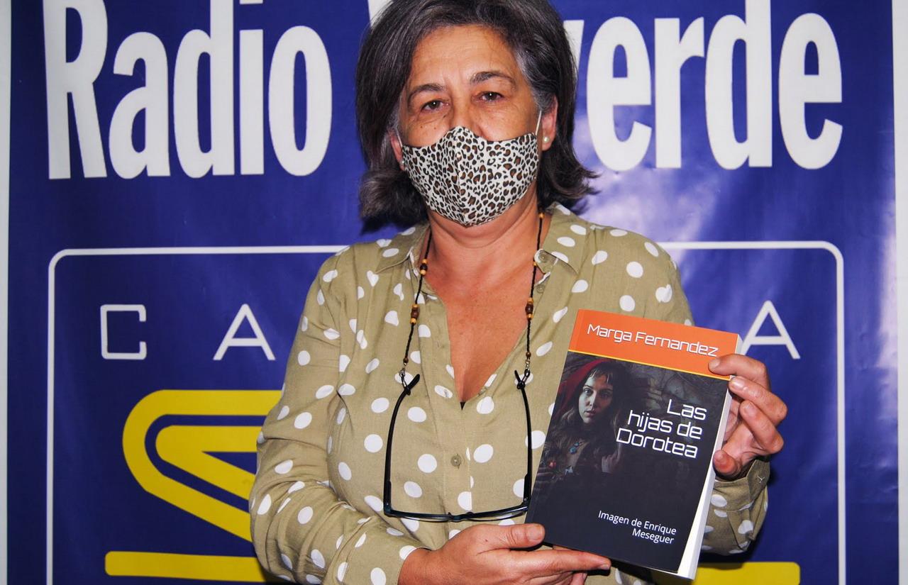 La valverdeña Marga Fernández presenta su tercera novela «Las hijas de Dorotea»