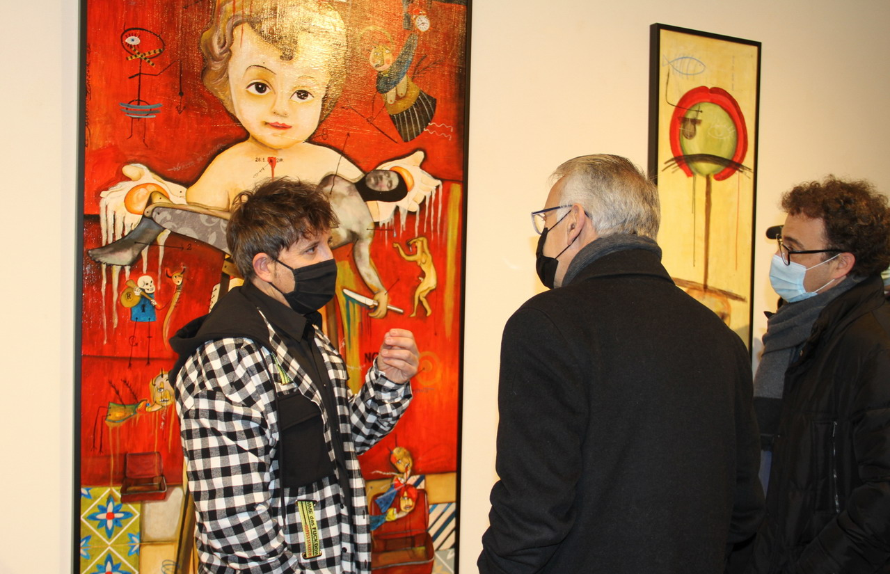 El onubense Rafa Pinto llena de color la Sala de la Provincia con 'La Little People', su imaginativa galería de personajes