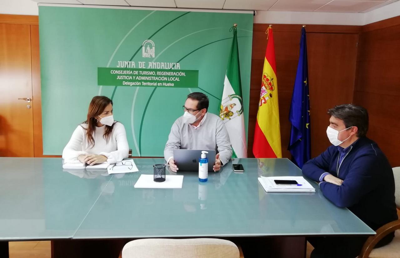 La Junta aborda con el sector las novedades del bono turístico en Huelva
