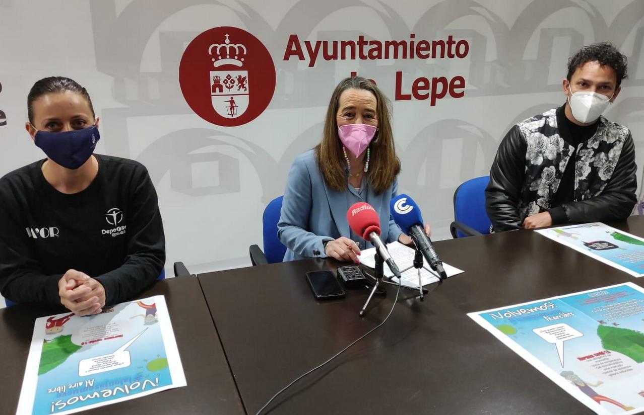 El Centro Municipal de Mayores «Santa María de la Bella» retoma sus actividades al aire libre