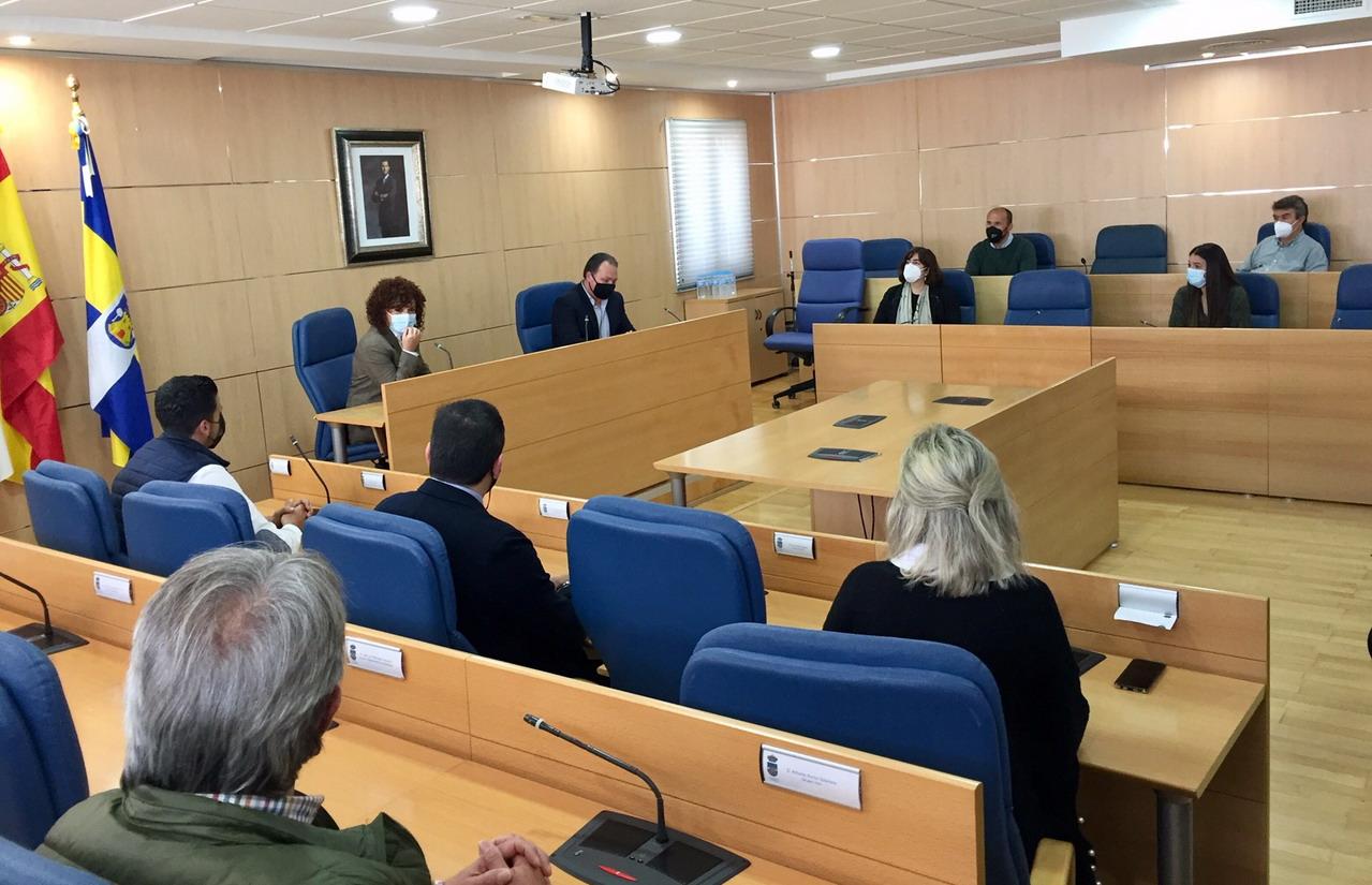 Limón aborda la colaboración con los Ayuntamientos de Gibraleón y Aljaraque en sus visitas «Pueblo a pueblo»