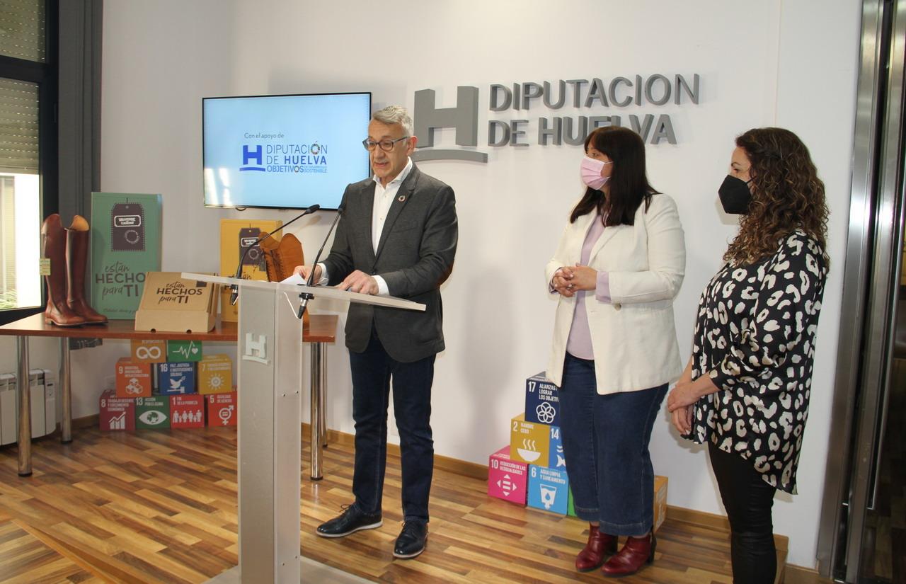 Diputación y ayuntamiento de Valverde del Camino impulsan una campaña de promoción para el calzado valverdeño