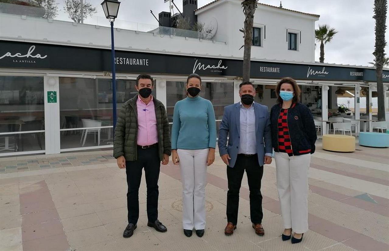 La delegada de Turismo visita Restaurante Macha, empresa beneficiada con la ayuda Pymetur