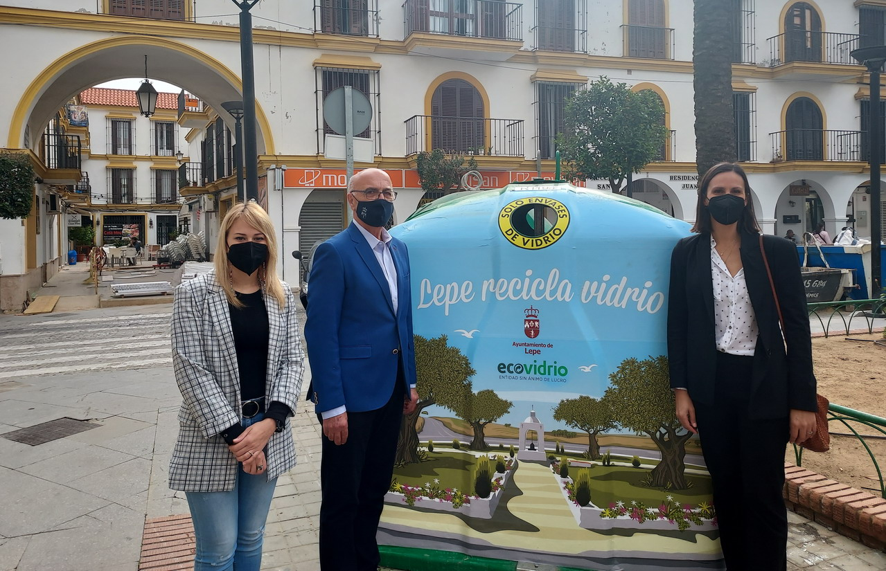 Ecovidrio y el Ayuntamiento de Lepe lanzan la campaña 'Lepe recicla vidrio' para promover el reciclaje en el municipio