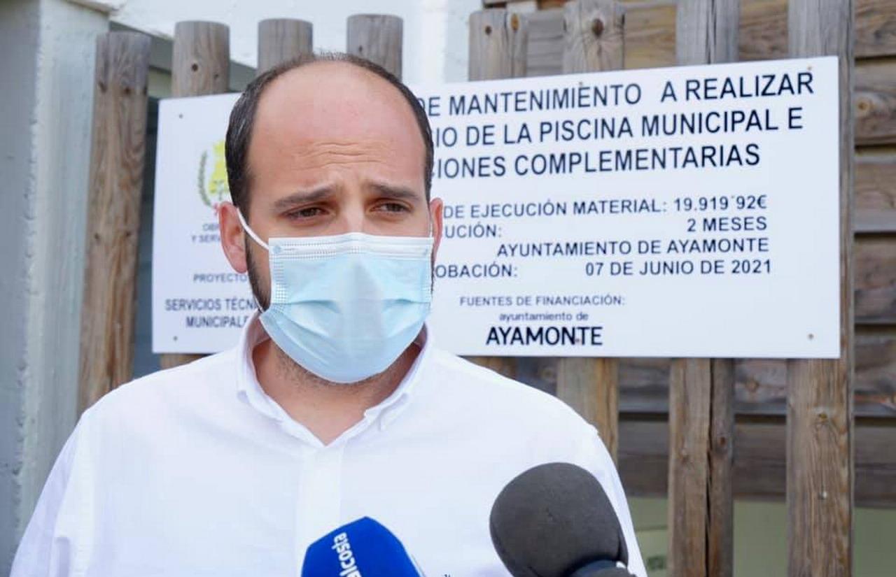Ayamonte comienza las obras de reparación de la piscina municipal