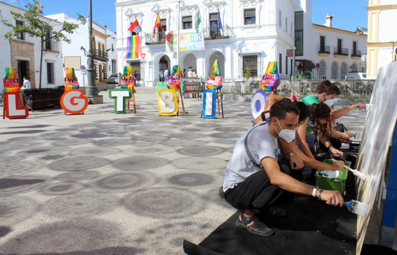 """Pregón histórico en Cartaya en el Día del Orgullo """"para avanzar hacia una sociedad más igualitaria e inclusiva"""""""
