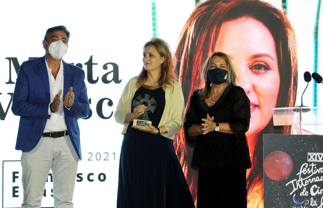 Islantilla arranca la XIV Edición de su Festival Internacional de Cine bajo la Luna con la entrega del premio «Francisco Elías» a la productora Marta Velasco