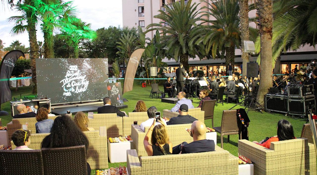 Islantilla Cinefórum acogió la noche del pasado sábado la entrega de los Premios Luna de Islantilla, que destacó al largometraje español El arte de volver, de Pedro Collantes, como merecedor del galardón al Mejor Largometraje