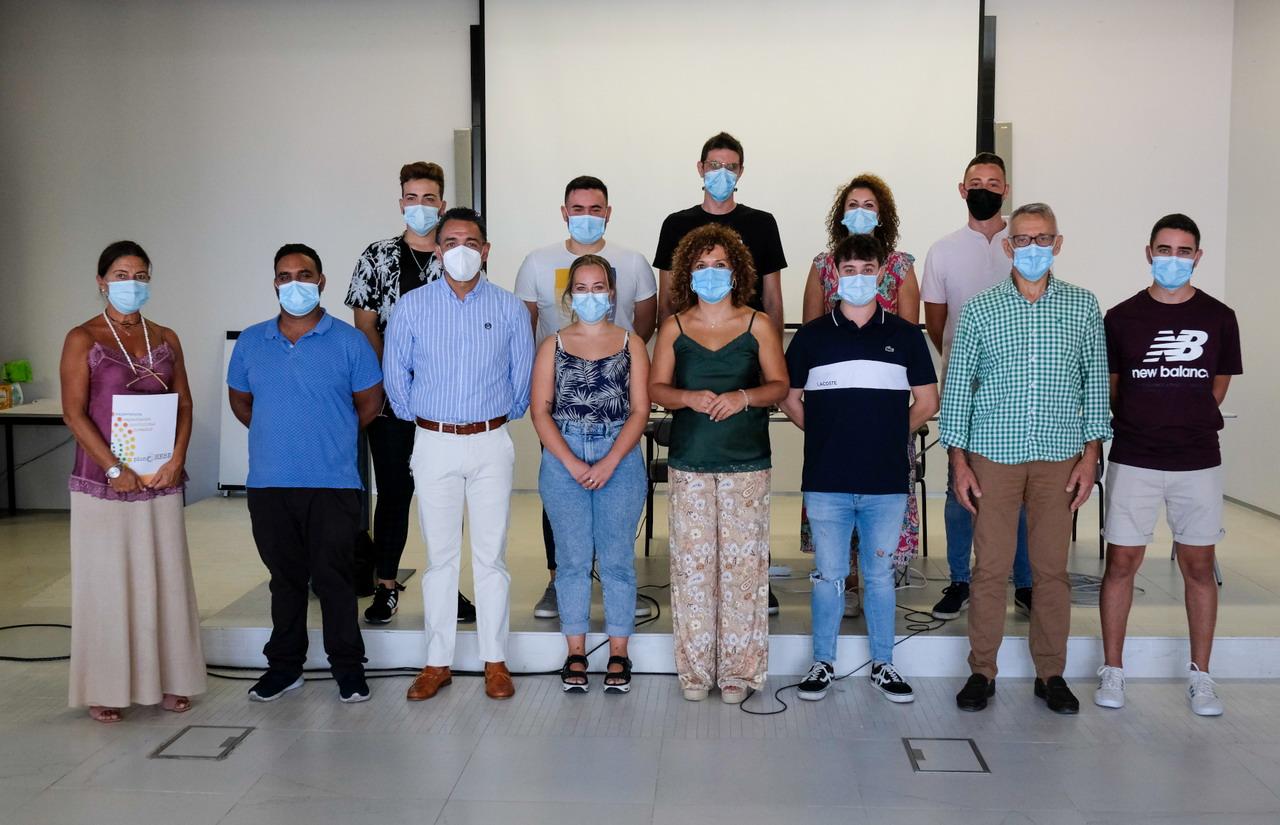 4 de los 10 jóvenes que han finalizado las becas HEBE Capacita El Jamón de Diputación comienzan a trabajar en la propia empresa